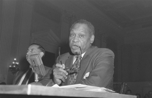 Paul Robeson testifying, SOURCE: AP/Bill Achatz