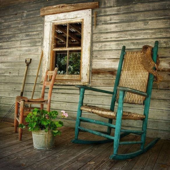 fc68a5171519678c41618146c96931a9--rustic-porches-country-porches