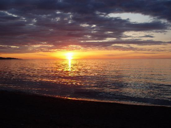 sunrise-over-lake-superior
