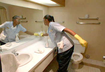 HOUSEKEEPER-BATHROOM