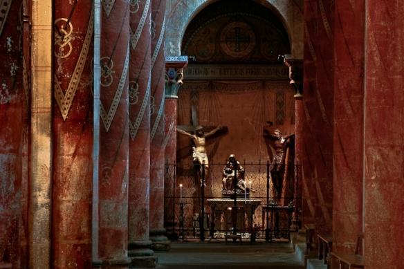 Basilique Saint Austremoine, Issoire (Puy-de-Dôme) Photo by PJ McKey