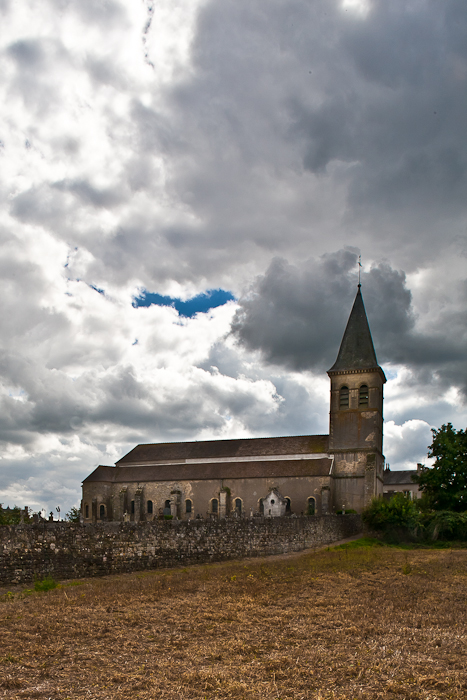 Église Saint-Révérien, Saint-Révérien (Nièvre) Photo by PJ McKey