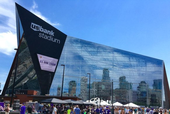 1200px-US_Bank_Stadium_-_West_Facade