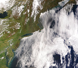 256px-ShipTracks_MODIS_2005may11