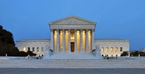 512px-Panorama_of_United_States_Supreme_Court_Building_at_Dusk