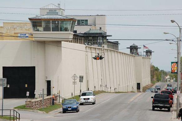 Clinton_correctional_facility,_Dannemora,_NY,_2007