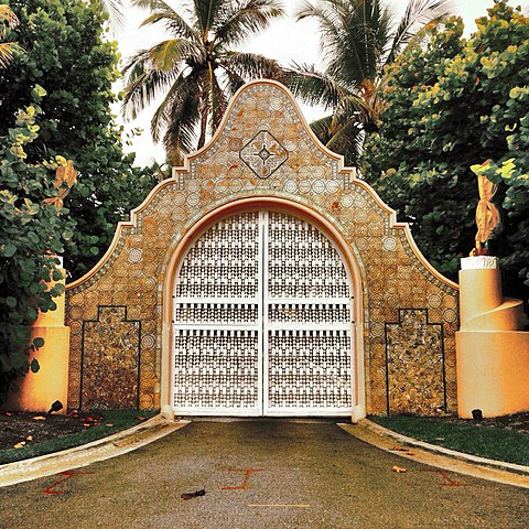entrance gate to Mar-a-Largo